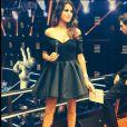 Karine Ferri, somptueuse, affiche un décolleté envoûtant, dans une robe signée Greta Constantine, sur le plateau de The Voice 3