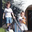 Les enfants de Jennifer Lopez, Max et Emme Muniz à Calabasas, le 21 février 2014.