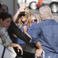 Julia Roberts souriante arrive au El Capitan Theatre à Hollywood pour le Jimmy Kimmel Live, le 5 mai 2014.
