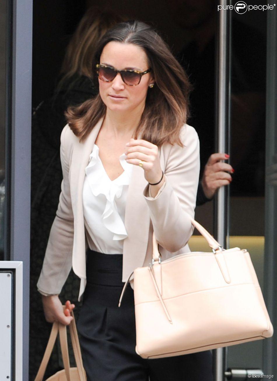 Exclusif - Pippa Middleton est allée faire deux heures de sport dans sa salle de gym avant de retourner à son travail, le 6 mai 2014, dans le quartier de Fulham, à Londres.