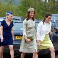 Pippa Middleton au mariage de Rowena Macrae et Julian Osborne à Perthshire en Ecosse le 26 avril 2014.