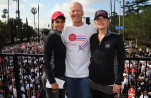 Bruce Willis, papa à la cool face à sa fille Tallulah, complice avec Halle Berry