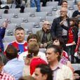 Cristina Serra, femme de Pep Guardiola, fête le titre de champion d'Allemagne du Bayern Munich avec ses enfants Marius et Valentina le 10 mai 2014.