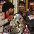 Dante et David Alaba fêtent le titre de champion d'Allemagne avec le Bayern Munich le 10 mai 2014.