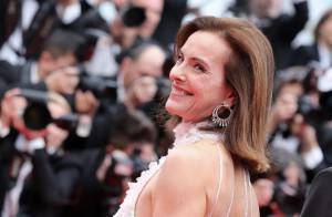 Carole Bouquet rend hommage à sa soeur ''qui l'a pratiquement élevée''