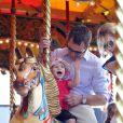 Isla s'éclate avec son papa Peter Phillips au Royal Windsor Horse Show le 17 mai 2014.