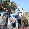 """Randy Couture, Arnold Schwarzenegger, Antonio Banderas, Glen Powell - Les acteurs du film """"Expendables 3"""" arrivent à bord d'un char militaire devant l'hôtel Carlton pour le photocall du film dans le cadre du 67ème festival du film de Cannes, le 18 mai 2014."""