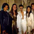 Kylie Jenner, Lana Del Rey, Kim Kardashian, Kourtney Kardashian, Kris Jenner, Khloé Kardashian et Kendall Jenner lors du dîner pré-mariage de Kim et Kanye West au château de Versailles. Le 23 mai 2014.