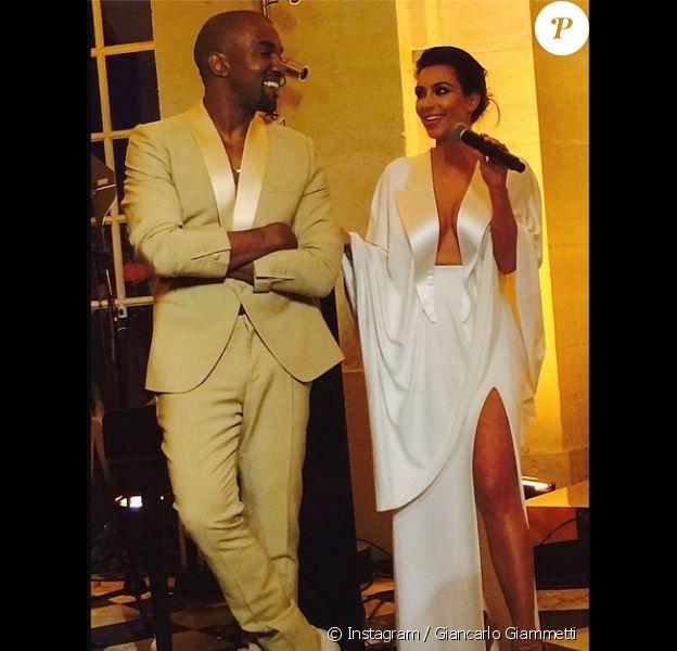 Kanye West et Kim Kardashian en plein discours lors de leur soirée pré-mariage au château de Versailles. Versailles, le 23 mai 2014.