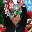 Sir Alex Ferguson faisait ses adieux à Old Trafford et Manchester United, club qu'il a entraîné durant 26 ans lors d'un dernier match face à Swansea, avant de soulever le titre de champion d'Angleterre, le 20e de l'histoire du club, le 13e pour le manager légendaire des Red Devils, le 12 mai 2013