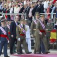 Le roi Juan Carlos Ier et le prince Felipe d'Espagne assistaient ensemble à la cérémonie marquantle bicentenaire de l'ordre royal et militaire de San Hermenegildo, le 3 juin 2014 au monastère San Lorenzo de El Escorial à Madrid, au lendemain de l'annonce de l'abdication du roi au profit de son fils.