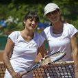 Caroline Barclay et Estelle Denis, à Roland-Garros pour participer au Trophée des personnalités, le vendredi 6 juin 2014.