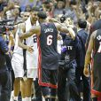 Les Spurs de San Antonio ont décroché le cinquième titre NBA de leur histoire en s'imposant face au Heat de Miami (104-87), dans leur salle du AT&T Center lors du match 5 des finales, le 15 juin 2014
