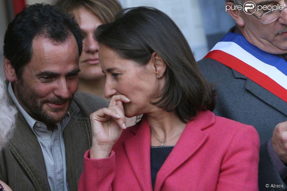Ségolène Royal et son frère Antoine en visite en Champagne dans le cadre de sa campagne présidentielle, le 12 avril 2007.