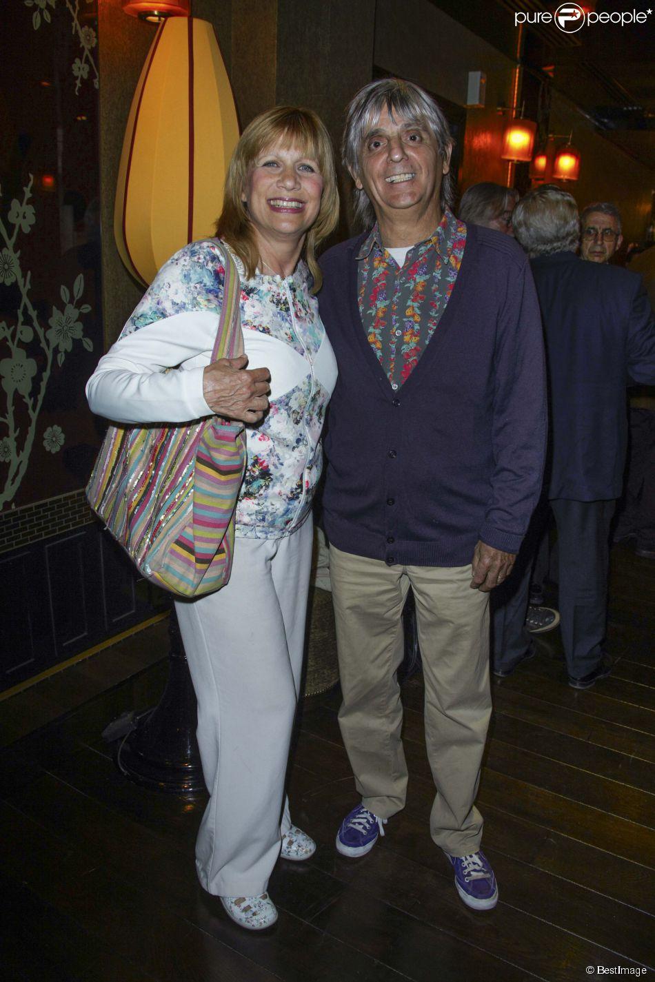 Exclusif - Stone et son mari Mario d'Alba au dîner avec les membres du comité d'honneur de l'ADMD (l'Association pour le Droit de Mourir dans la Dignité) au Buddha Bar à Paris, le 17 juin 2014.