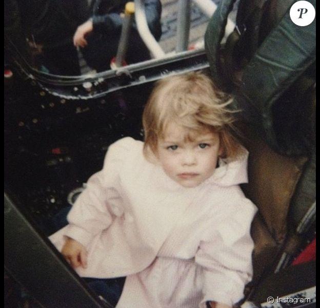 Caroline Receveur : une photo d'elle enfant qui a fait le buzz !