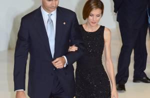 Letizia d'Espagne : Reine sublime en petite robe noire auprès de son Felipe