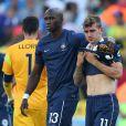 Antoine Griezmann et Eliaquim Mangala - Tristesse de l'équipe de France suite à leur élimination du Mondial à Rio de Janeiro au Brésil le 4 juillet 2014. L'équipe de France quitte la compétition en quart de finale suite à leur défaite face à l'Allemagne 1 à 0 .