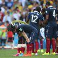 Bacary Sagna et Mathieu Valbuena - Tristesse de l'équipe de France suite à leur élimination du Mondial à Rio de Janeiro au Brésil le 4 juillet 2014. L'équipe de France quitte la compétition en quart de finale suite à leur défaite face à l'Allemagne 1 à 0 .