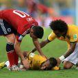 La blessure de Neymar lors du match Brésil-Colombie à Fortaleza, le 4 juillet 2014. Il souffre d'une fracture d'une vertèbre le privant du reste de la Coupe du monde.