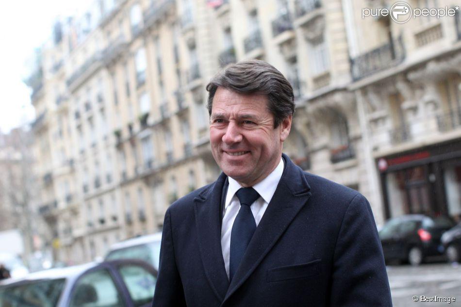 Christian Estrosi papa comblé  Le maire de Nice a marié sa fille Laetitia