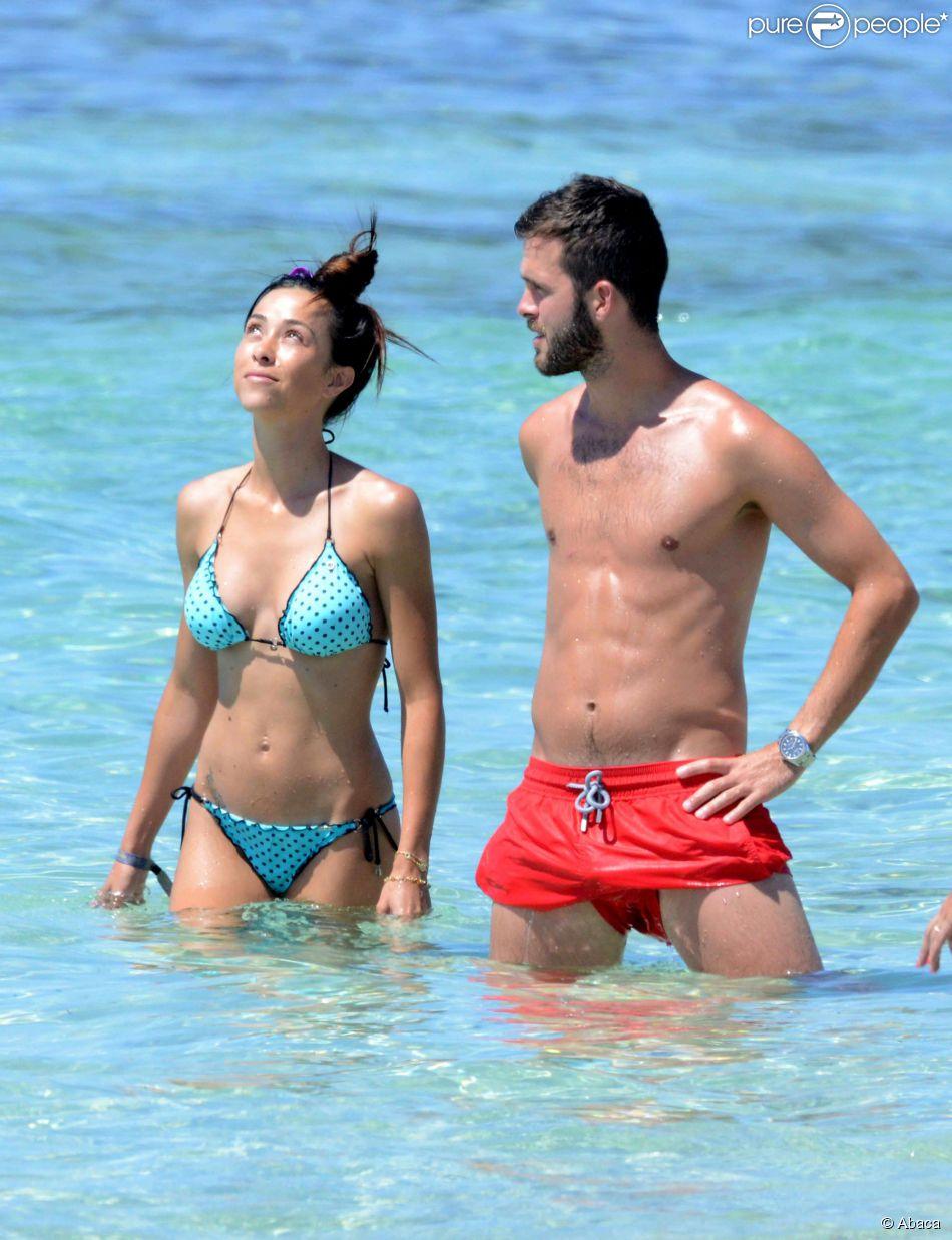 Miralem Pjanic La jeune star de l AS Roma sous le soleil avec sa