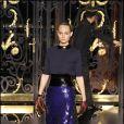 Amber Valletta défile pour Louis Vuitton à Paris, le 9 mars 2011.