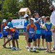 Sébastien Chabal lors de sa visite du village Kinder le 17 juillet 2014 au Temple-sur-Lot