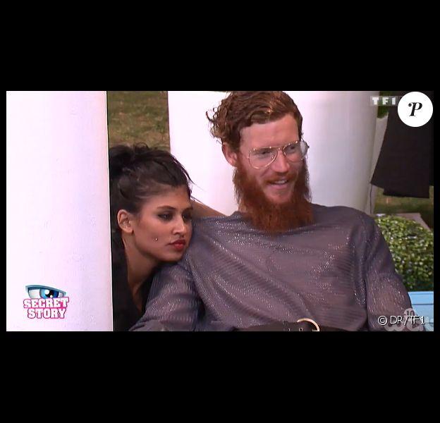 Jess et Geoffrey, de plus en plus proches, dans la quotidienne de Secret Story 8 sur TF1, le jeudi 24 juillet 2014
