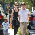 Exclusif - Charlize Theron, son fils Jackson et Sean Penn se promènent à Hollywood, le 3 juin 2014.
