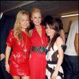 Jade Jagger avec sa fille Assisi Jackson et Paris Hilton lors d'une soirée à Ibiza, le 23 juin 2006.