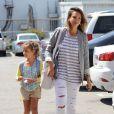 Jessica Alba et sa fille Haven dans les rues de Santa Monica, le 25 juillet 2014