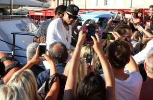 Chris Brown à Saint-Tropez : Adieu les abdos, place à la bouée !