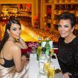 Kim Kardashian et sa mère Kris Jenner assistent au bal de l'Opéra de Vienne. Le 27 février 2014.