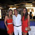Fawaz Gruosi fête ses 62 ans avec ses filles Allegra et Violetta au Billionaire. Porto Cervo, le 8 août 2014.