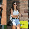 Alessandra Ambrosio quitte la boutique Planet Blue à Los Angeles. Le 7 août 2014.
