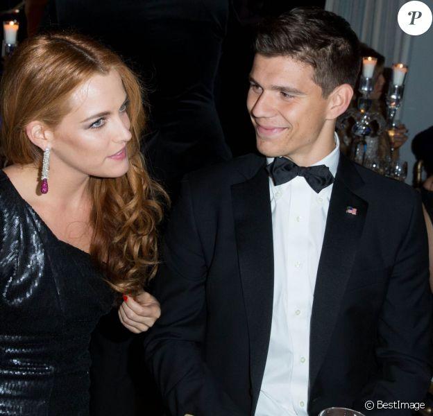 Riley Keough et Ben Smith-Petersen, désormais fiancés, à Cannes le 20 mai 2014.