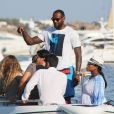 LeBron James et sa femme Savannah Brinson, enceinte, sont en vacances à Mykonos. Le 15 août 2014.