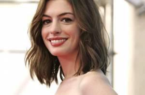 PHOTOS : Anne Hathaway : un festival de robes à Venise, trop belle!