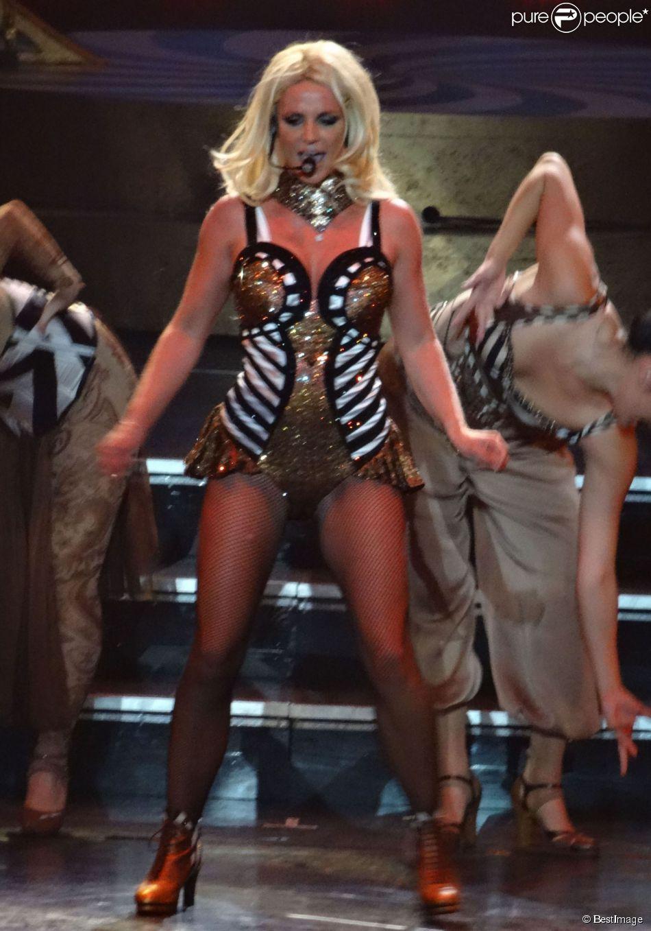 Britney Spears se produit à Las Vegas dans le cadre de sa résidence avec le spectacle Piece Of Me au Planet Hollywood Casino Resort, le 16 août 2014.