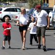 Britney Spears fait du shopping avec ses fils Sean et Jayden, et son petit ami David Lucado à Agoura (Los Angeles), le 22 août 2014.