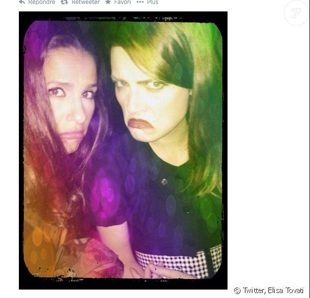 Elisa Tovati et Elodie Frégé espéraient voir Lana Del Rey en concert au Trianon le 25 août 2014 à Paris. Mais la chanteuse américaine n'est pas venue...