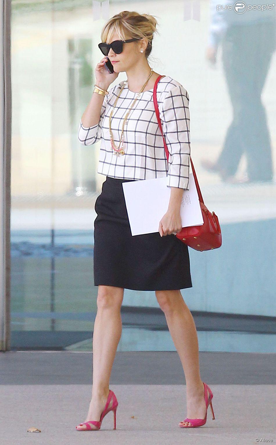 Frange et chignon, la combinaison sexy de Reese Witherspoon