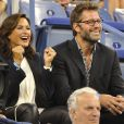 Mariska Hargitay et sno époux Peter Hermann lors du quart de finale entre Gaël Monfils et Roger Federer à l'US Open, à l'USTA Billie Jean King National Tennis Center de New York, le 4 septembre 2014