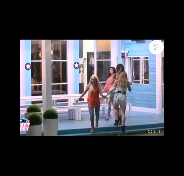 """Une altercation a eu lieu entre Aymeric et Vivian lors de l'émission hebdomadaire de """"Secret Story 8"""", le vendredi 5 septembre 2014. Alors que les filles sont dehors, les garçons se disputent à l'intérieur de la Maison des Secrets."""