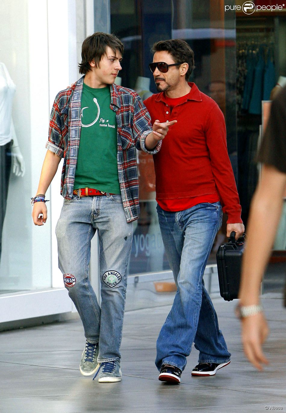 Robert Downey Jr. avec son fils à Century City le 25 avril 2009