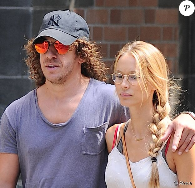 Carles Puyol et sa compagne Vanesa Lorenzo à New York le 6 septembre 2014.