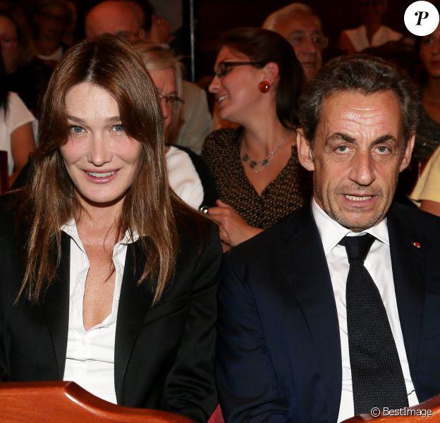 """Nicolas Sarkozy et Carla Bruni-Sarkozy vont voir la pièce """"Hôtel Europe"""" de Bernard-Henri Lévy au Théâtre de l'Atelier à Paris, le 12 septembre 2014."""
