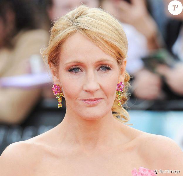 J.K. Rowling lors de l'avant-première de Harry Potter - Les Reliques de la mort (partie II) à Londres le 7 juillet 2011