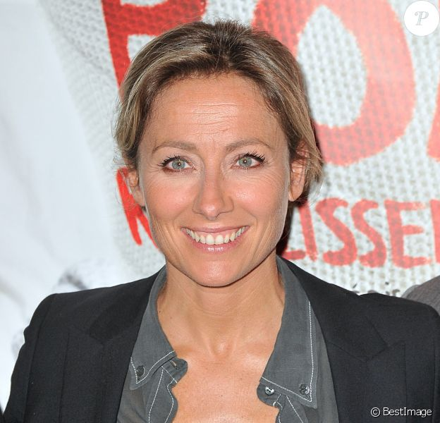 Anne-Sophie Lapix à l'avant-première du film Bon Rétablissement ! au théatre Edouard VII à Paris le 8 septembre 2014.